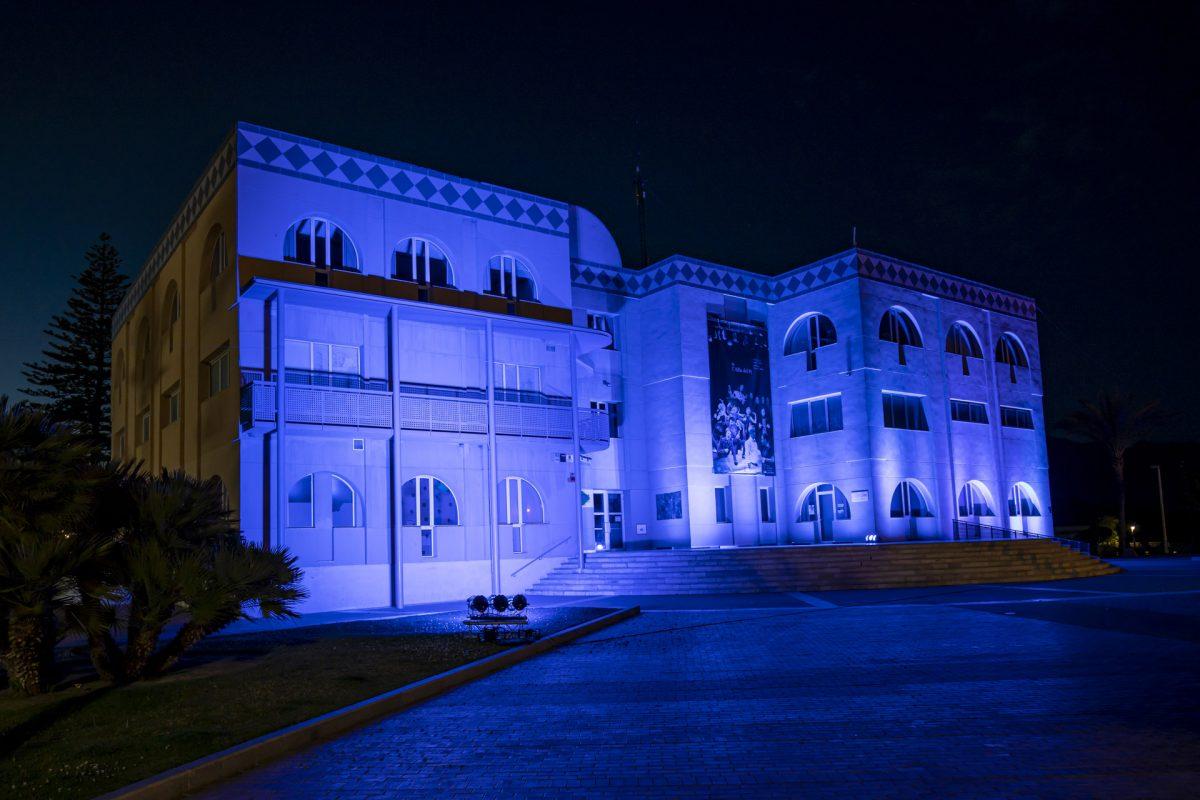 La Casa de Cultura de l'Alfàs se tiñe de azul con motivo del Día de Europa